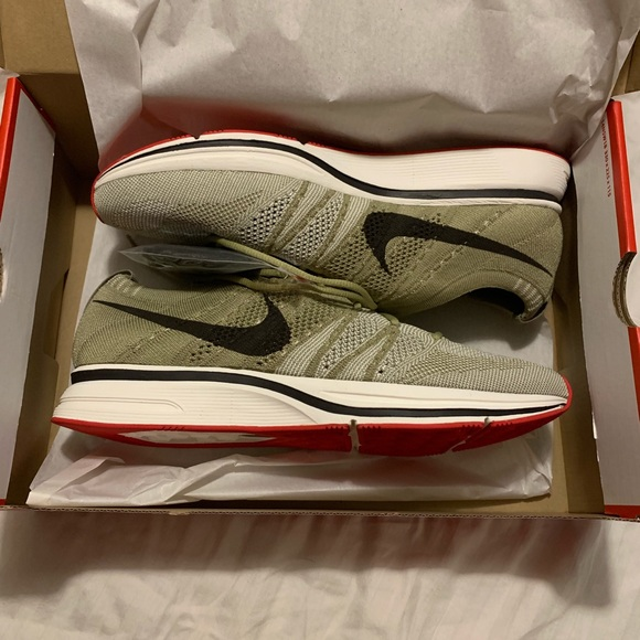 39bf6d63185eb Nike Shoes | Flyknit Trainer | Poshmark
